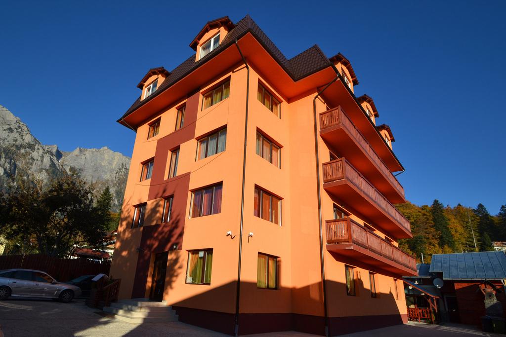 HOTEL IRI